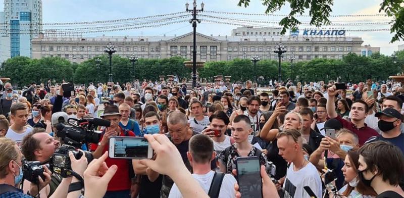 Протесты в Хабаровске поддержали жители других регионов РФ. ВИДЕО